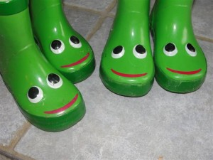 green frog boots