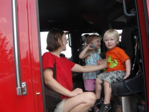 kids in fire truck