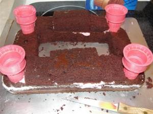 building castle cake