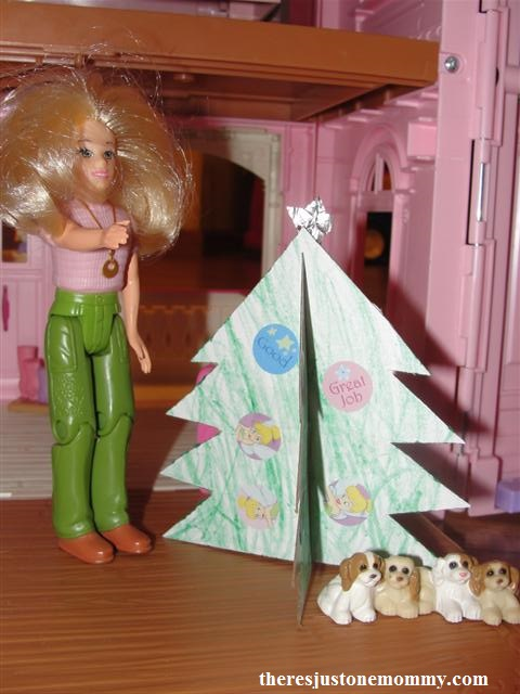 simple 3-D Christmas tree craft -- DIY dollhouse Christmas tree
