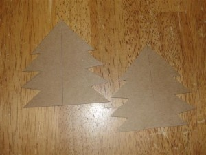 making dollhouse Christmas tree