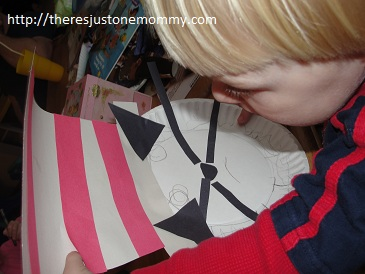toddler Cat in the Hat craft. My daughter flipped her paper plate ... & Cat in the Hat Craft | Thereu0027s Just One Mommy
