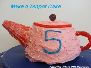 Teapot Cake and Coordinating Cupcakes
