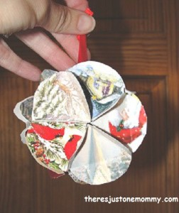 How to make ornaments from Christmas cards