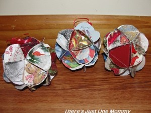 homemade Christmas ornament: recycled Christmas card craft