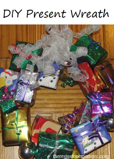 DIY present wreath -- cute Christmas wreath