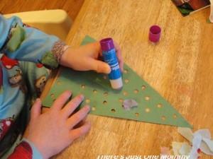 preschooler Christmas tree craft