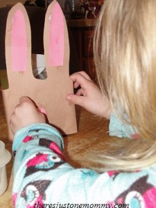 preschooler cardboard box craft