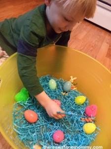 preschool Easter sensory bin