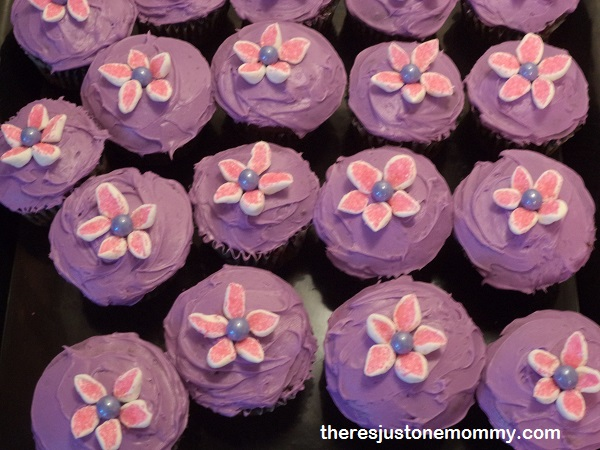easy to make flower cupcakes for bridal shower