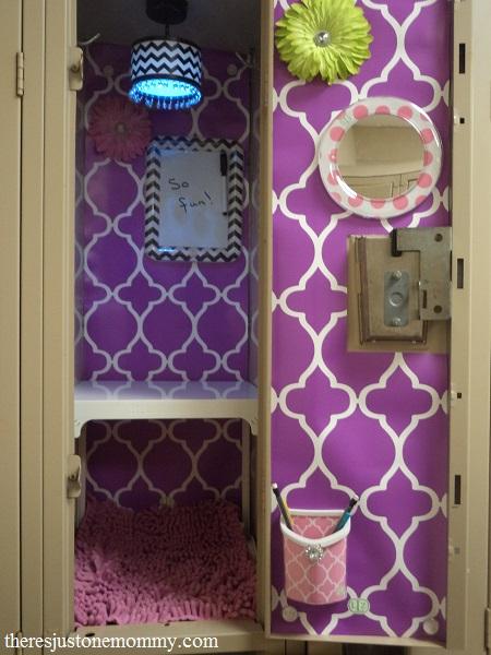 Decorating school lockers with LockerLookz