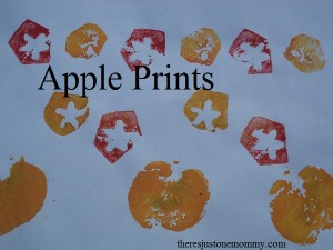 apple stamping craft -- perfect fall craft for kids