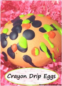melted crayon decorated egg: how to decorate Easter eggs with melted crayon