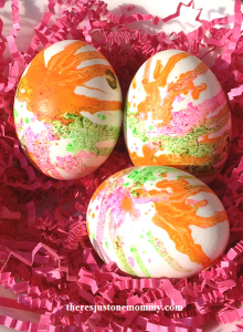 decorating eggs with melted crayon