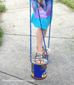 recycled tin can craft: DIY stilts