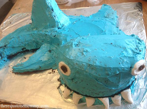 How to make a shark cake