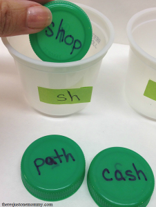 simple word sort game to work on diagraphs and letter blends