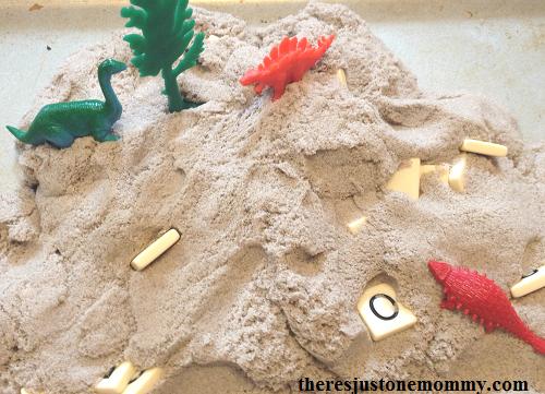 simple spelling practice idea for dinosaur unit