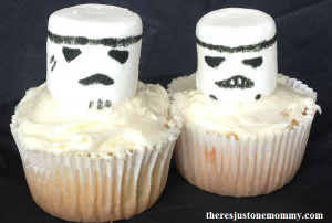 Storm Trooper cupcakes for kids Star Wars party