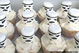 Star Wars storm trooper cupcakes
