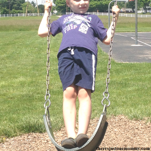 increasing core muscle strength in kids by swinging