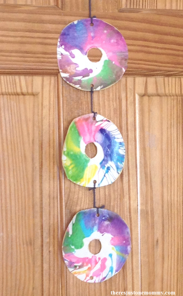 spin art bunting -- kids craft with spin art