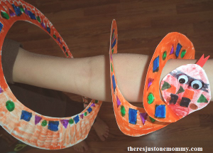 paper plate snake craft to go with the book Trunk Trouble