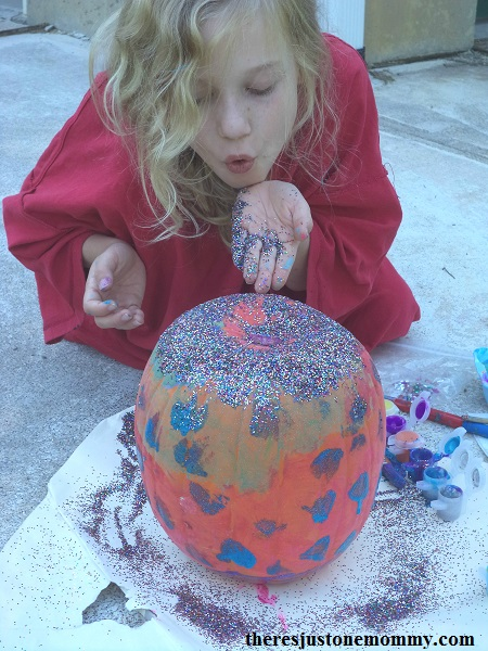 paint and glitter pumpkin -- simple no carve pumpkin craft for kids