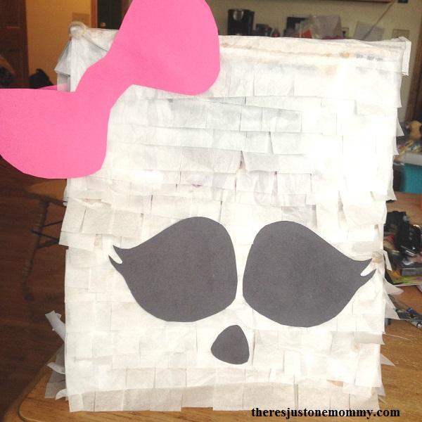 paper bag pinata tutorial for a Monster High pinata