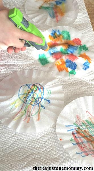 tie-dyed coffee filter suncatcher craft: simple coffee filter suncatchers; snowflake craft