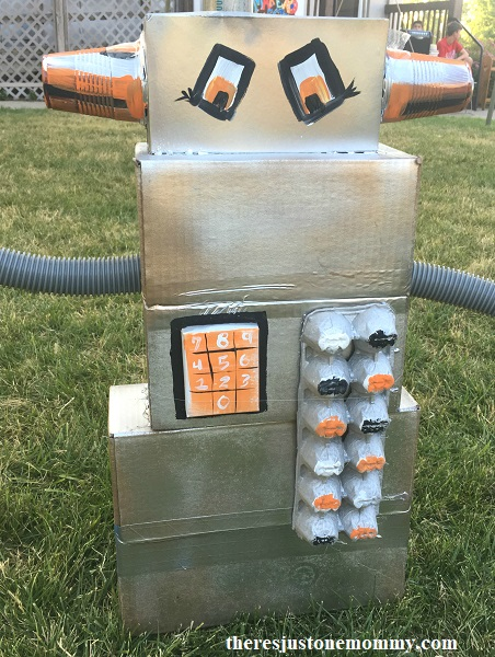 robot craft -- fun recycled craft for kids