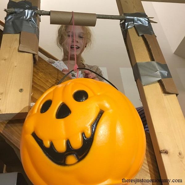 pumpkin STEM activity -- kids pulley STEM activity for Halloween