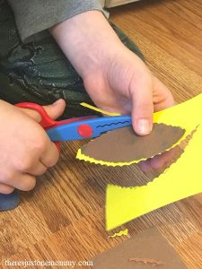 kids turkey craft for Thanksgiving